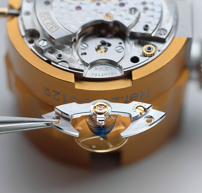 rolex-servicing-procedure-assembly-lubrication-of-the-movement_portrait