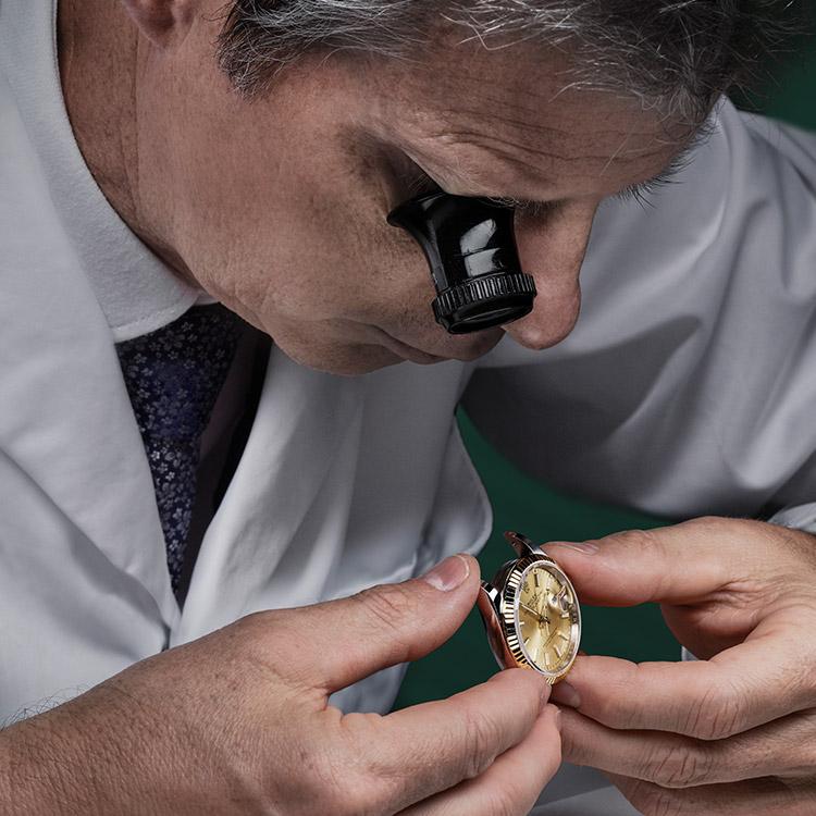 rolex-servicing-procedure-assessment-of-the-watch_portrait